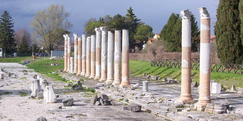 aquileia antico teatro